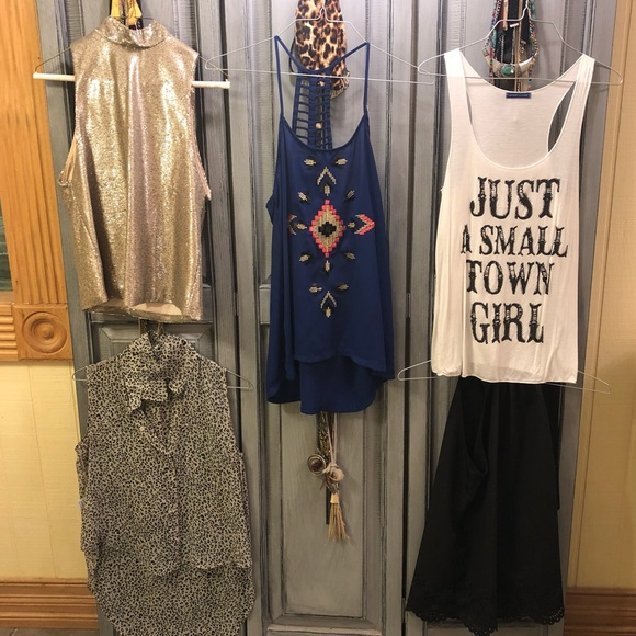 Forever 21 Tops - FIVE tank bundle!